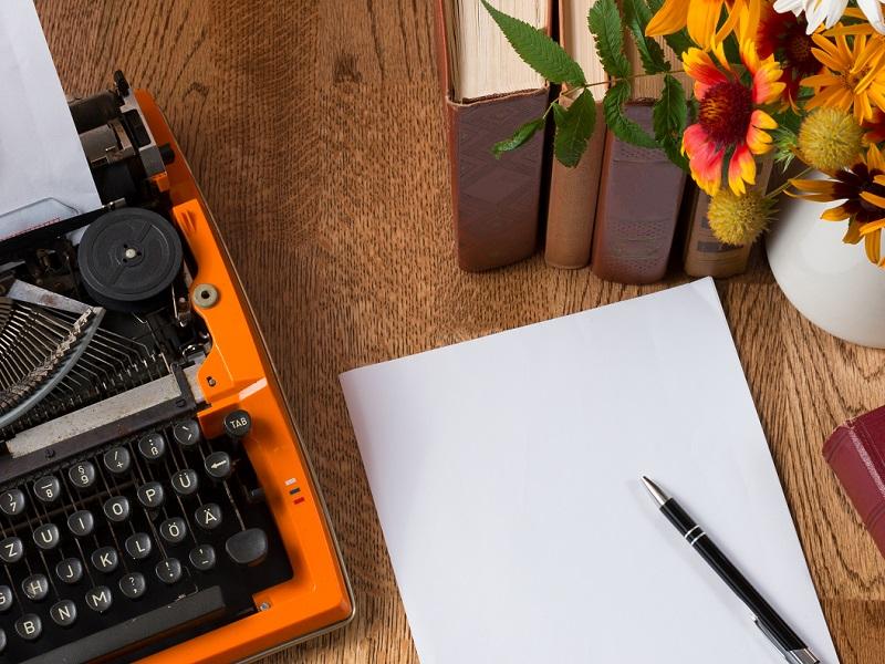 writing pad and typewriter